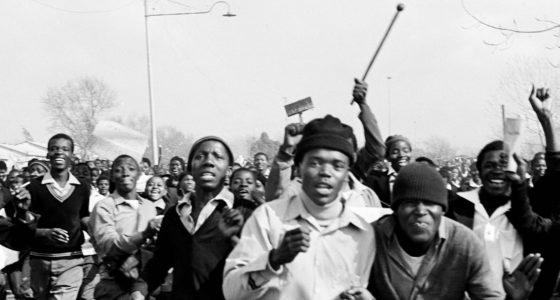 Ronnie Kasrils: de rode pimpernel versus apartheid