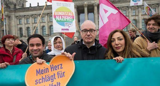 Duitsland: Massaal protest tegen aantreden van naziparlementariërs