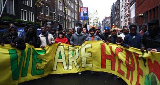 Vluchtelingen Wij Zijn Hier hebben onze solidariteit nodig
