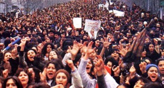 Iraanse vrouwen in verzet tegen gedwongen hoofddoek
