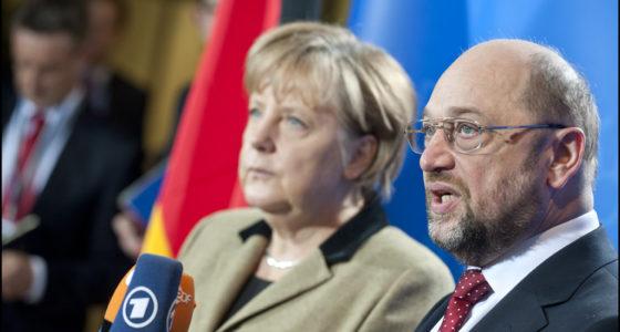 Duitsland Merkelt verder terwijl onvrede groeit