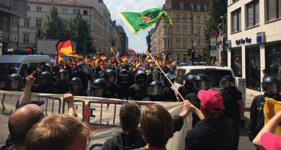 72.000 op straat tegen rechts: 'Heel Berlijn haat de AfD!'