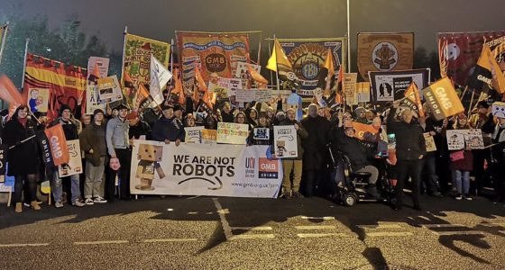 Opnieuw internationale stakingen bij Amazon: 'Wij zijn geen robots'