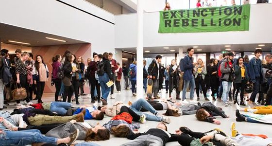 Extinction Rebellion in Amsterdam: die-in is nog maar het begin