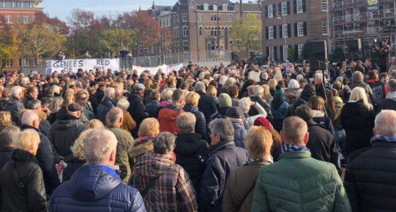 Protest: 'Het Slotervaart moet blijven'