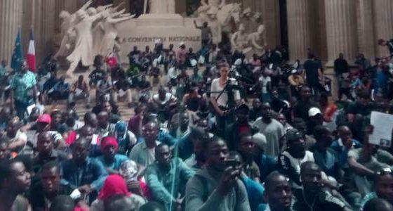 De Zwarte Hesjes tegen het racisme van de Franse staat
