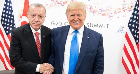 Trump steunt de Turkse inval in Syrië