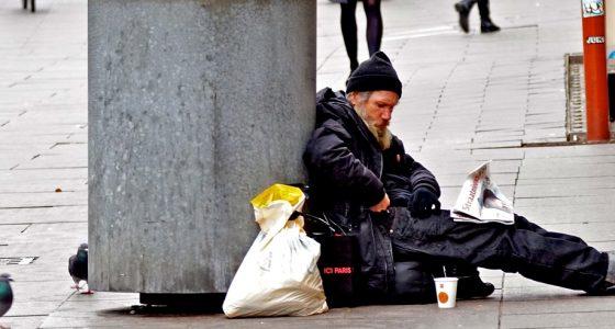 Regering laat dak- en thuislozen in de steek