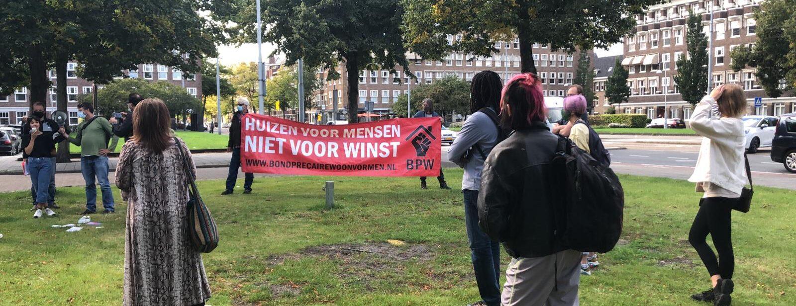 Protest tegen criminele huisjesmelkers in Amsterdam