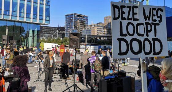 Stem links en bouw verzet op straat
