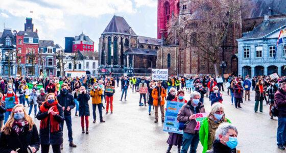 De stand van het demonstratierecht in vijf 'noodzakelijke' beperkingen